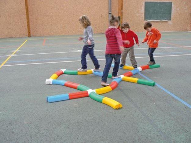 Afbeelding van evenwichtsbalkje - gebogen - rood
